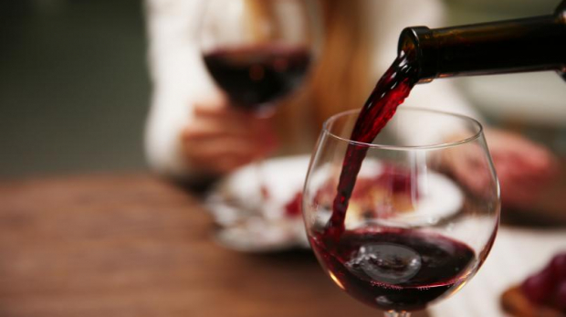 Picture taken from: http://www.biosciencetechnology.com/news/2016/11/drinking-red-wine-smoking-can-prevent-short-term-vascular-damage